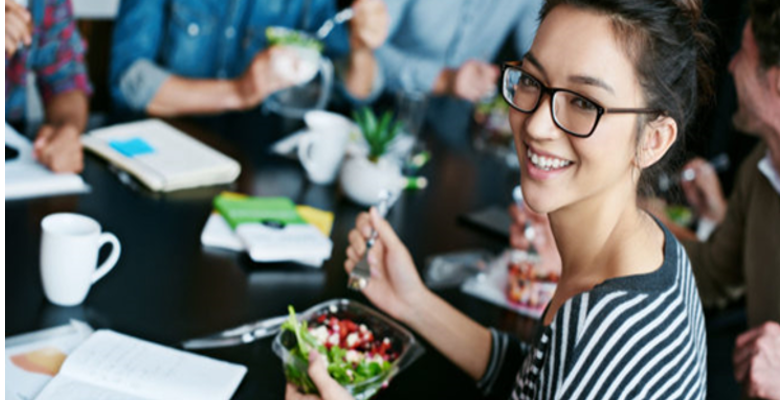 Mangez sain au bureau grâce à livraison de repas