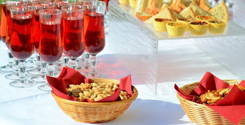 Le cocktail dinatoire, une occasion de consolider son réseau de clients